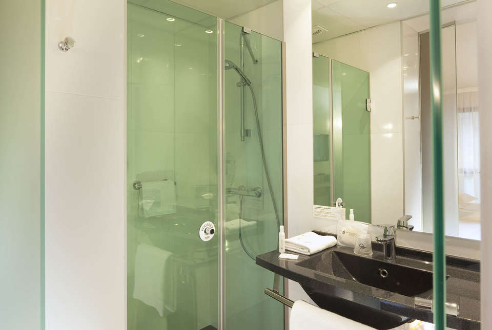 Escale Oceania Quimper - Bathroom