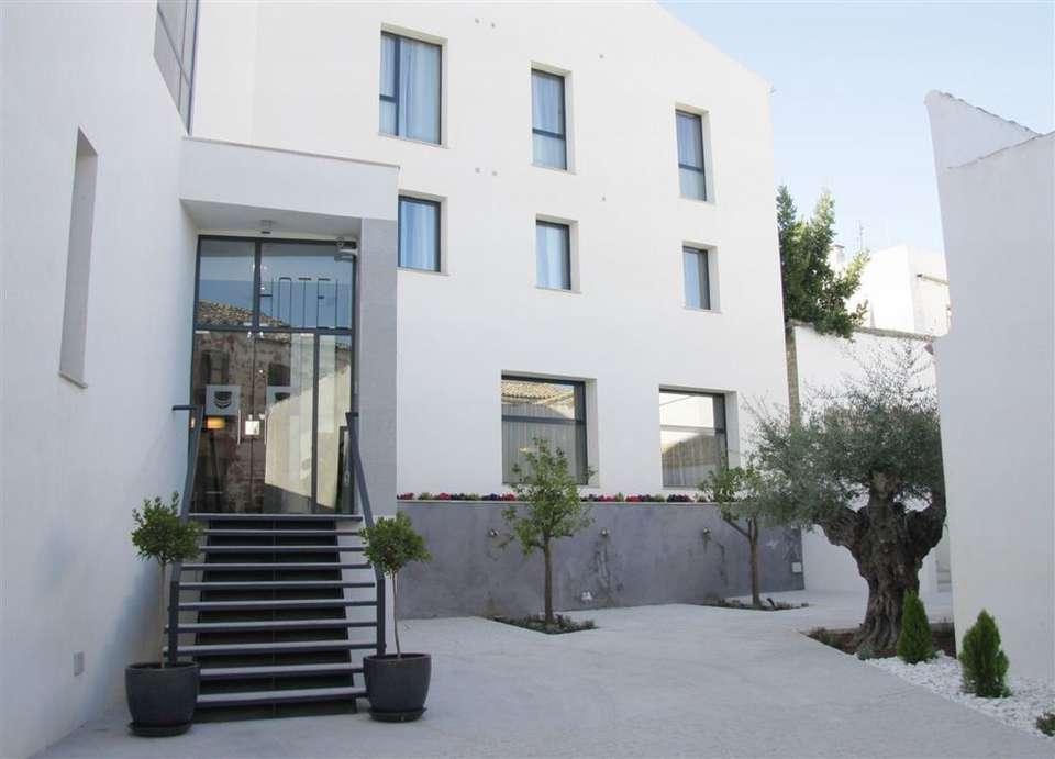 Hotel Zenit El Postigo - Front