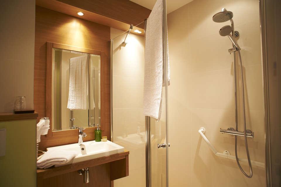 Le Régent et Spa - Salle de bain standard