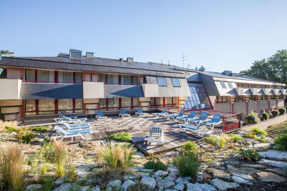 Hôtel et spa du Béryl - Bagnoles de l'Orne - 5688_hotel_du_beryl_terrasse_7.jpg