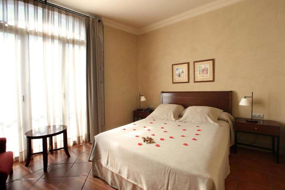 Hotel Bremón - HABITACIO_P.jpg