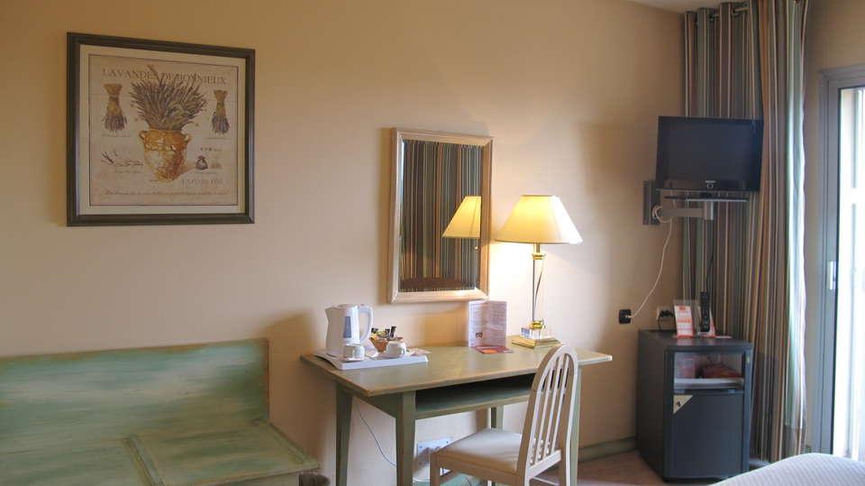 Hotel The Originals Perpignan Le Mas des Arcades (ex Qualys-Hotel) - bureau_campagne.JPG