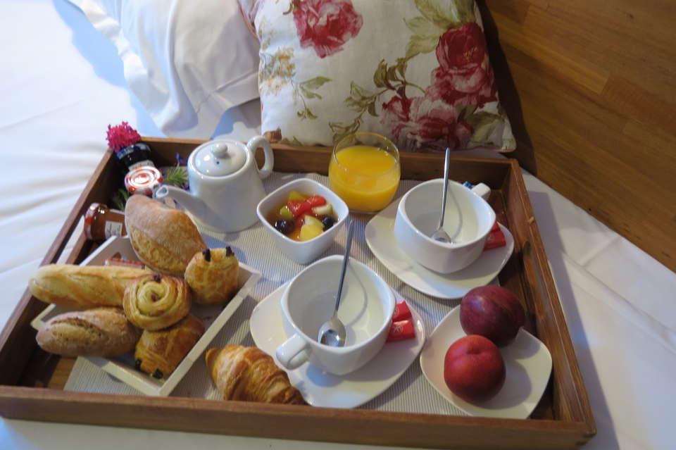 The Originals City, Hôtel Cléria, Lorient (Inter-Hotel) - Breakfast in room