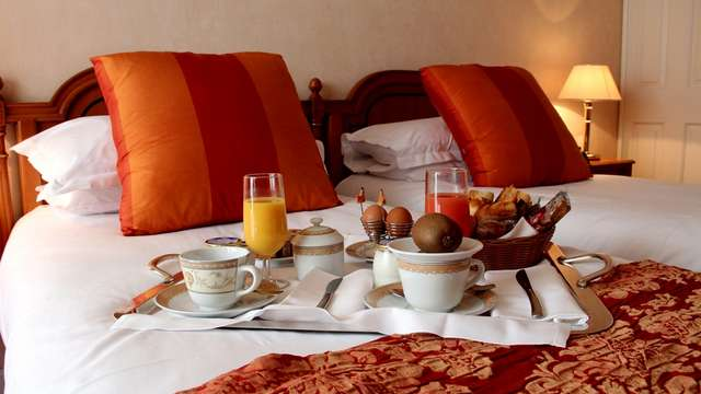 Hotel Sun Riviera - petit dejeuner chambre
