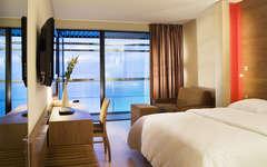 oceania saint malo 4 saint malo france. Black Bedroom Furniture Sets. Home Design Ideas