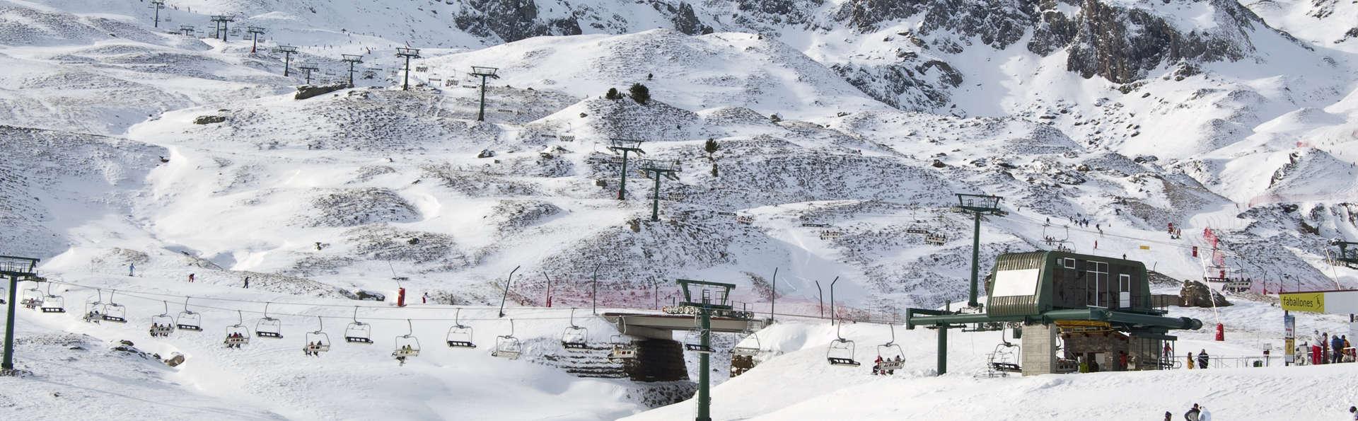 Escapada en Jaca con forfait de esquí