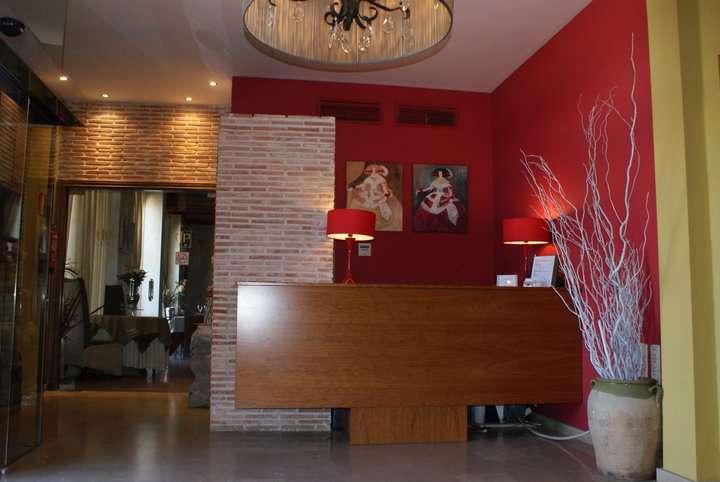 Hotel Patilla Ciudad de Requena - 189609_107341499347241_3509622_n.jpg