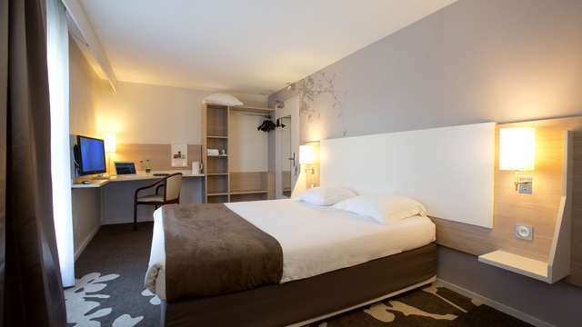 Hotel Kyriad Bordeaux Begles - photo