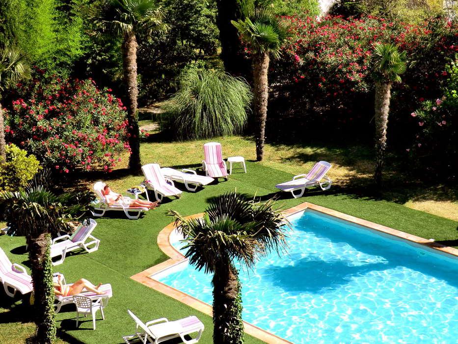 Hotel The Originals du Parc Avignon Est (ex Inter-Hotel) - PISCINE.JPG