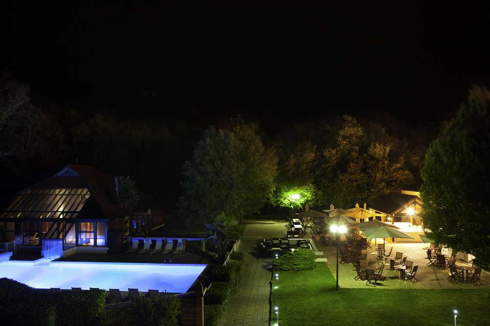 Novotel Fontainebleau Ury - Piscine extérieure chauffée