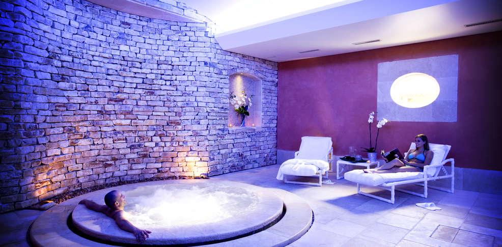 week end nouvel an le pontet avec d ner du r veillon du jour de l 39 an 6 plats pour 2 adultes. Black Bedroom Furniture Sets. Home Design Ideas