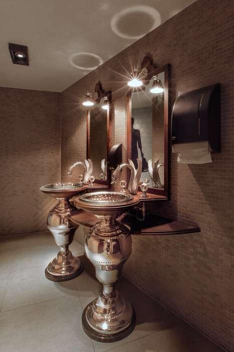 Hotel Dux - Ladies-room.jpg