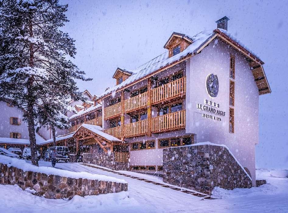 Le Grand Aigle Hôtel et Spa - Exterieur-2.jpg
