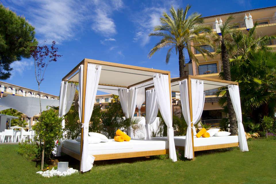 Sensimar Isla Cristina Palace (Adults Only)  - CAMAS_BALINESAS_2.jpg
