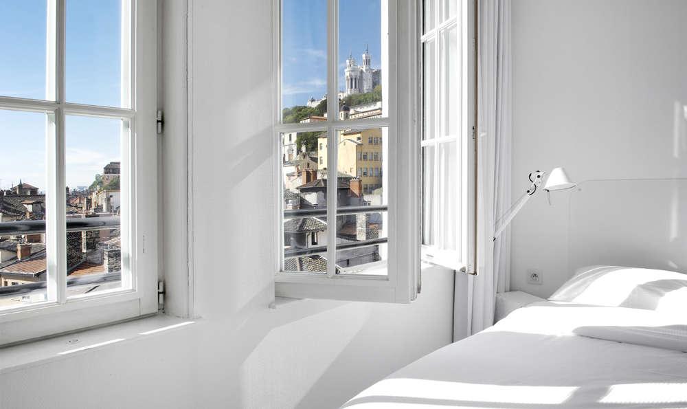 coll ge h tel 4 lyon france. Black Bedroom Furniture Sets. Home Design Ideas