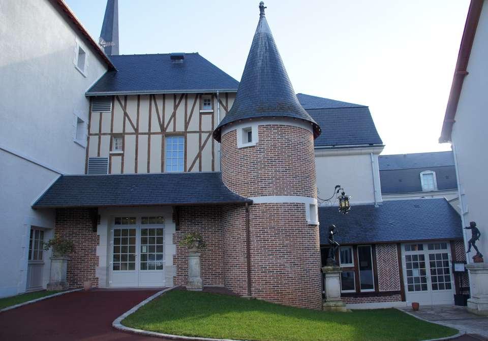 Relais des Trois Châteaux - facade_1.JPG