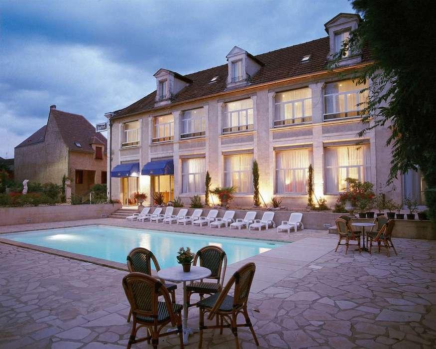 Hôtel Le Renoir - 25524438.jpg