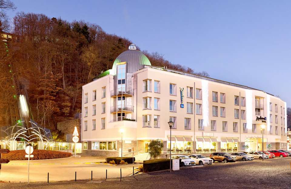 Radisson Blu Palace Hotel - Façade