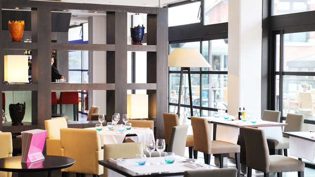 New Hotel Of Marseille - victor cafe salle