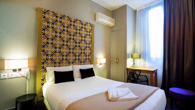 1 noche en habitación doble confort vista a la ciudad para 2 adultos