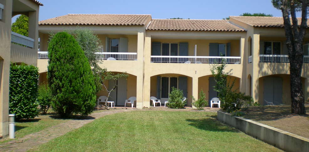 H tel club vacanciel de roquebrune 3 roquebrune sur for Reservation hotel paca