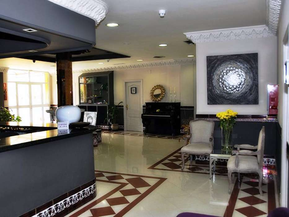 Hotel Sercotel Doña Carmela - 02-hotel-sevilla-sercotel-dona-carmela-hall.jpg
