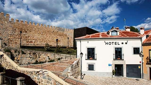 Hotel Puerta de la Santa 2* - Ávila, España