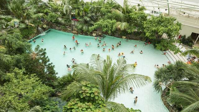 acceso al espacio acuático para 2 adultos (todos los días)