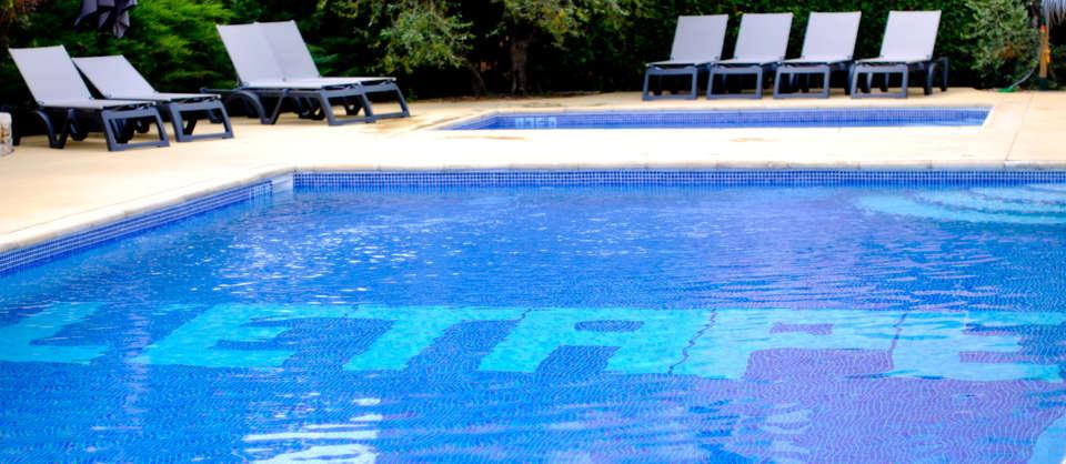 L'Etape - piscine_5.jpg