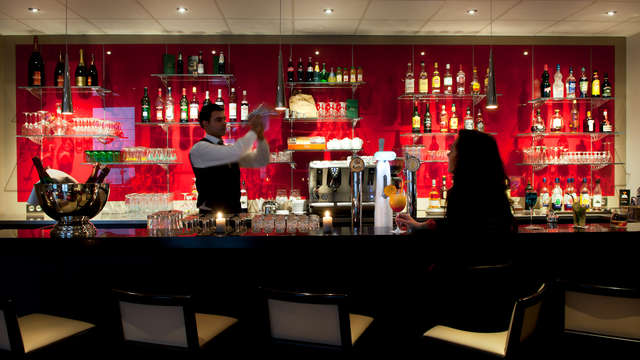 BEST WESTERN PLUS Paris Val de Bievre - Bar