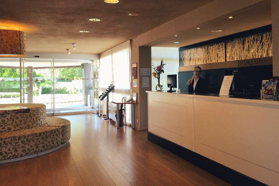 Hôtel Les Dryades Golf & Spa - reception2.JPG