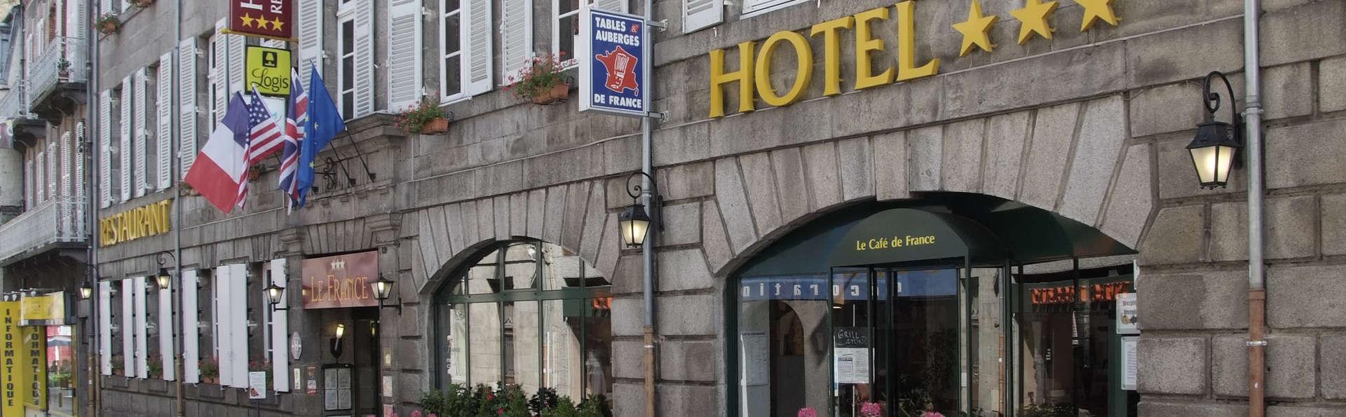 Hotel Le France - FACADE_HOTEL_FLEURIE_2013.jpg