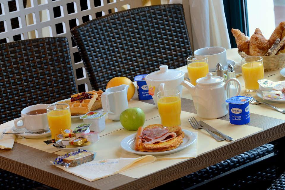 Hôtel du Soleil le Beach Hôtel - Petit-déjeuner