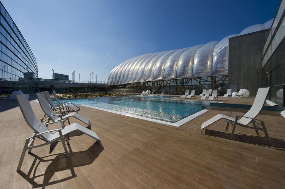 Ibis Styles Saint Julien Vitam - Outdoor swimming pool