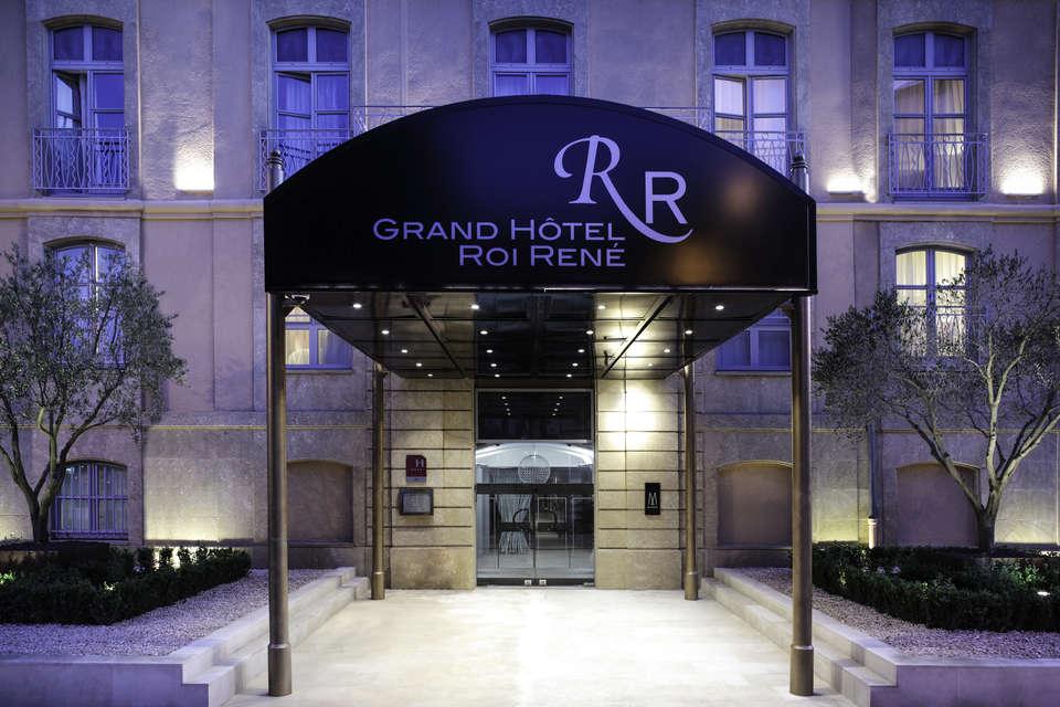 Grand Hôtel Roi René - 3221-04.jpg