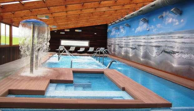 Escapada relax y gastronómica : Bañera de hidromasaje en la habitación, cena y acceso al spa