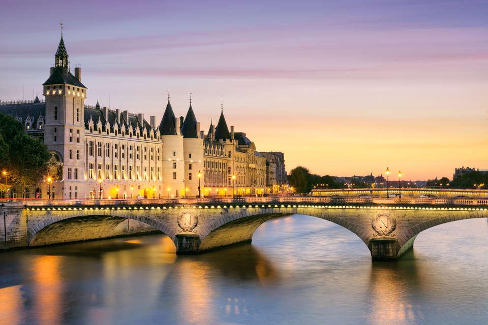 Hôtel le Dauphin  - Seine