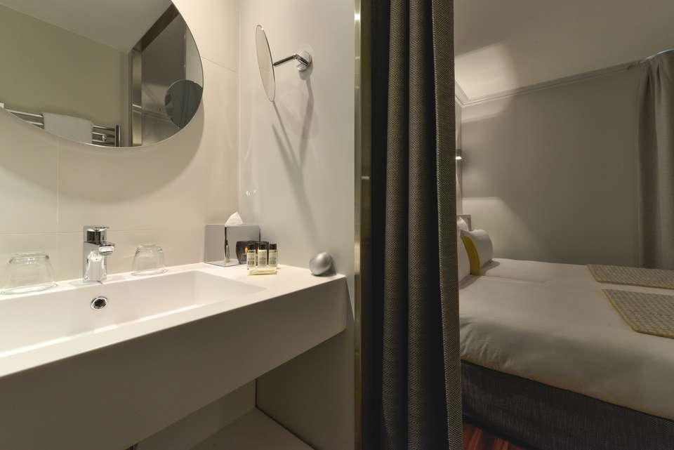 L'Atrium Hotel - AUTRE_VUE_SALLE_DE_BAIN_CHAMBRE_CLASSIQUE.JPG