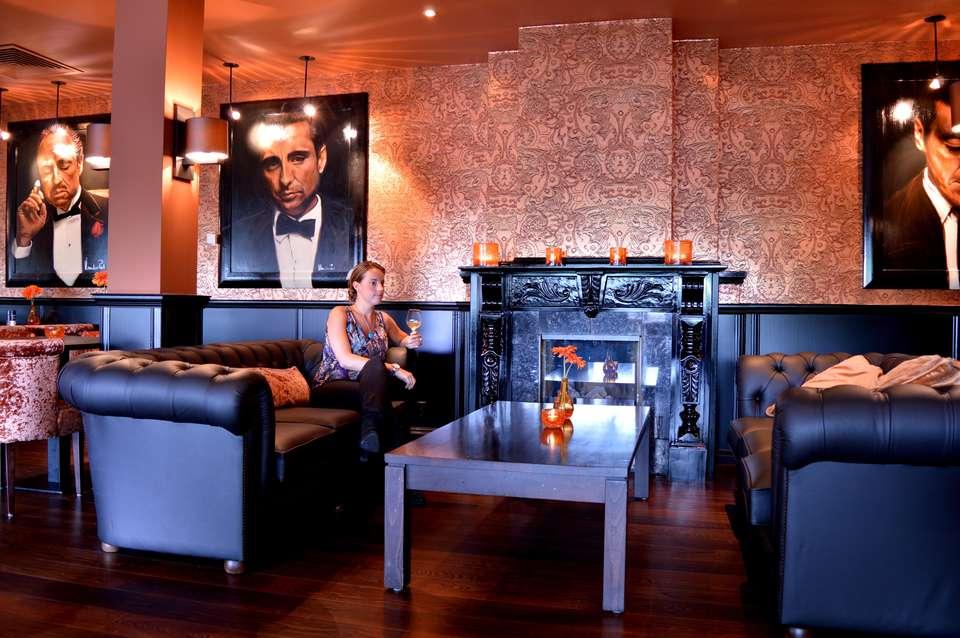 Van der Valk Hotel Vianen - hotel_bar.jpg