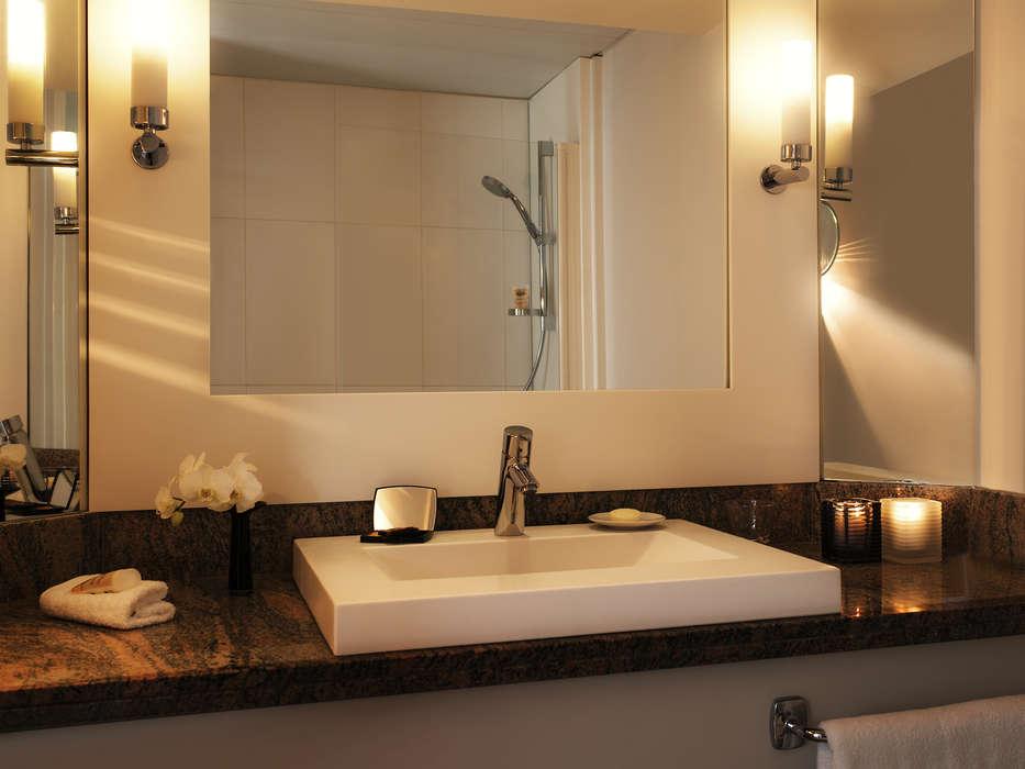 Mercure Paris CDG Airport et Convention - Bathroom