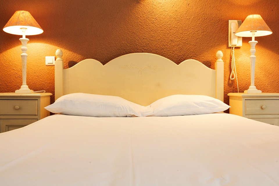 Hôtel la Corniche des Cévennes - Chambres_Double_1.jpg
