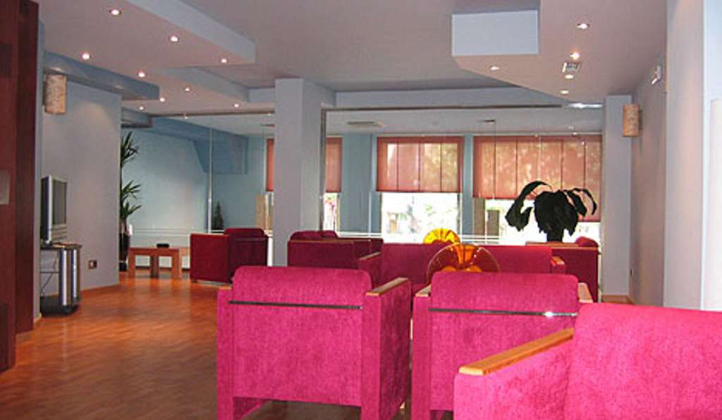 Hotel Doña Urraca - entrada09.jpg