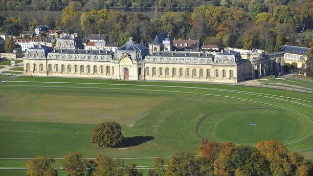 Tiara Chateau Hotel Mont Royal Chantilly - Vue aerienne rtc copyright Jean-Louis Aubert