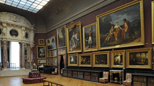 Tiara Chateau Hotel Mont Royal Chantilly - Chateau Interiors