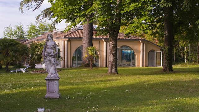Domaine De Fompeyre - Statue et batiment SPA