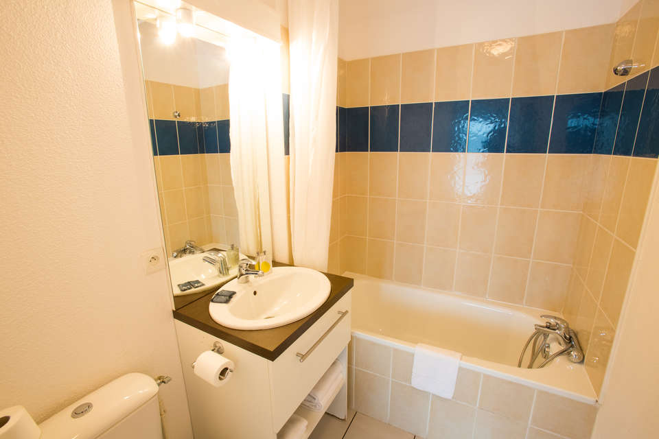 Résidence All Suites Appart Hotel La Teste - Sdb_studio_1-2_personnes.jpg