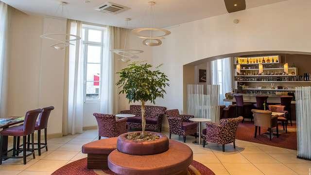 Hotel Francois Premier Cognac Centre - -hall-hotel-francois-premier-cognac-centre