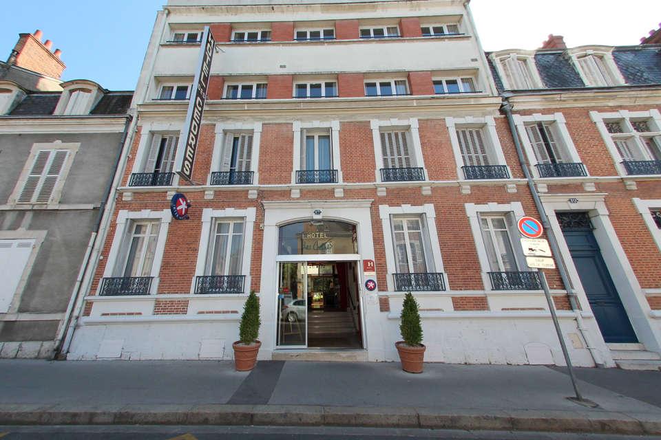 Hôtel des Cèdres - 2013_06_Facade.JPG