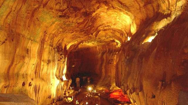 bezoek aan de grotten in Mira d'Aire voor 2 volwassenen