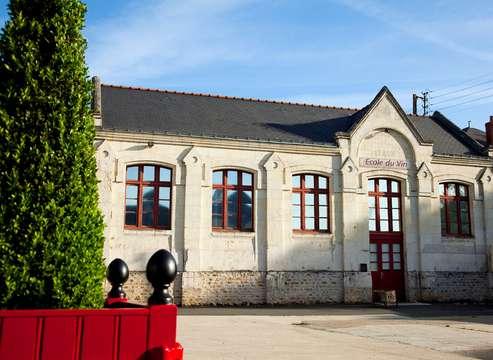 Dégustation de vins à la Maison Langlois Château